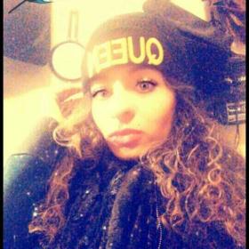 E_xotiic_Kiss